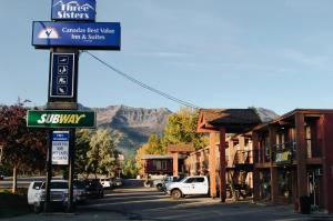 Canadas Best Value Inn and Suites Fernie - Accommodation
