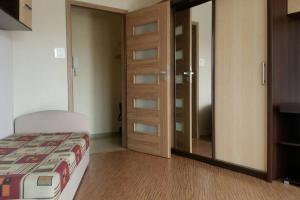 Studio 2 pokojowe w budynku z winda