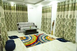 Excellent Property With Exellent Amenities You Would Love To Live In.