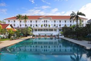 Raffles Grand Hotel d