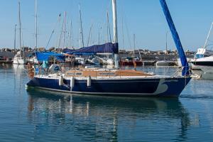 Ellinas yacht