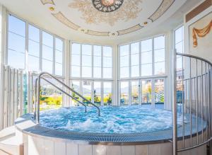 Schlosshotel Lacknerhof - Hotel - Flachau