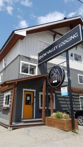 Snow Valley Lodging - Accommodation - Fernie