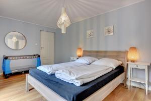 Azure Cozy Apartment
