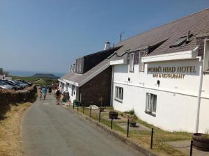 . Wormshead Inn