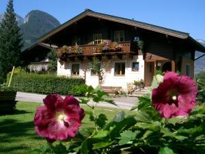 Ferienwohnung Waldhäusl - Apartment - Sankt Martin bei Lofer