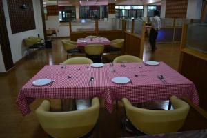 Hotel Singh Axis, Отели типа «постель и завтрак»  Udhampur - big - 30