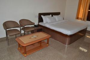 Hotel Singh Axis, Отели типа «постель и завтрак»  Udhampur - big - 3
