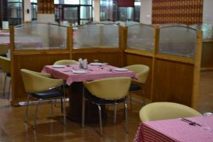 Hotel Singh Axis, Отели типа «постель и завтрак»  Udhampur - big - 21