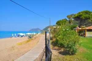 "obrázek - Beachfront holiday House ""yannis"" on Agios Gordios beach in Corfu"