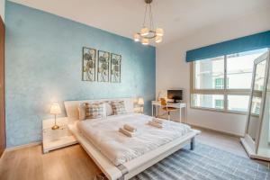 Vibrant Apt for 4 in The Greens by GuestReady - Dubai