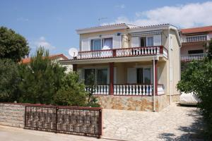 Apartments by the sea Mandre, Pag - 6416