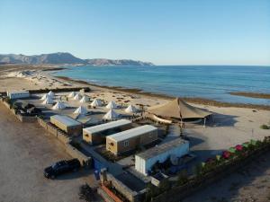 Sifah Beach & Oasis Camp