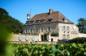 Castel de Très Girard - Les Collectionneurs