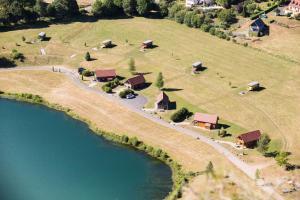Location gîte, chambres d'hotes Les Roulottes Du Lac Des Graves dans le département Cantal 15
