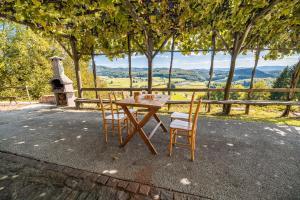 Vineyard Cottage