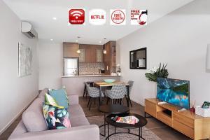 Gabba apartment 4 brm/4 bth/2 car and City views