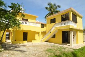 Residencia Lakis, Boca Chica