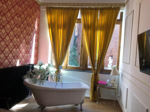 Love nest Versailles style, 5000 Namur
