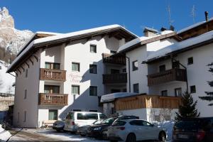 Frara Residence Apartments - AbcAlberghi.com