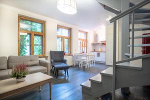 Dream Stay - Bright 2-Bedroom 2-Floor Old Town Apartment, Apartmanok - Tallinn
