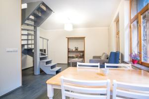Dream Stay - Bright 2-Bedroom 2-Floor Old Town Apartment, Apartmanok  Tallinn - big - 11