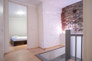 Dream Stay - Bright 2-Bedroom 2-Floor Old Town Apartment, Apartmanok  Tallinn - big - 14