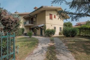 Villa Ida - 2 bedrooms apartment with private gard - AbcAlberghi.com