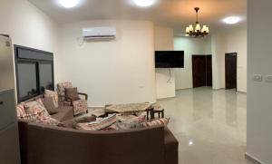. Jericho's Palms Apartment