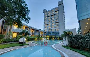 Boulevard 9 Luxury Resort & Sp..