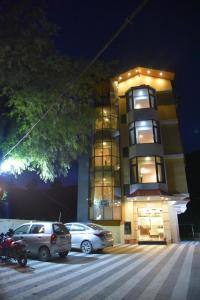 Hotel Ambika Residency