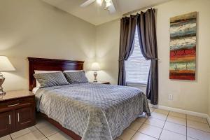 Villa Corporate 2 bedroom Suite Furnished Condo