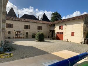 Location gîte, chambres d'hotes Les Cygnes Noirs dans le département Charente maritime 17