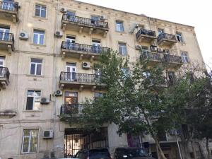 Elmler mertosu yasamal 100, Appartamenti - Baku
