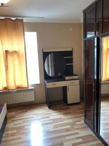 Elmler mertosu yasamal 100, Appartamenti  Baku - big - 10