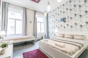 Real Apartments Hegedű