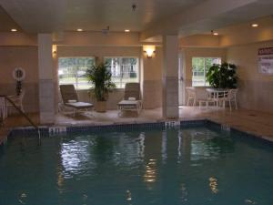 Candlewood Suites Windsor Locks photos
