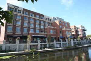 Hotel Indigo Naperville Riverwalk, an IHG hotel
