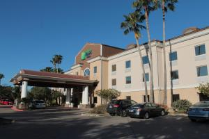 Holiday Inn Express Hotel and Suites Brownsville, an IHG hotel