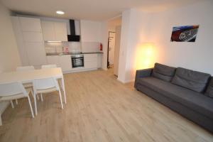 Schönbrunn (15): Sonniges 2-Zimmer Apartment
