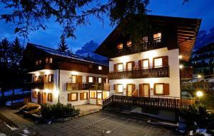 Residence Peniè - AbcAlberghi.com