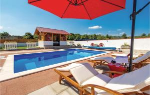 Awesome home in Gospic w/ Outdoor swimming pool, WiFi and Outdoor swimming pool