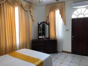 GoldenView Guesthouse Ocho Rios, Очо Риос