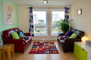 obrázek - Colourful and Spacious 2 Bedroom Leith Home