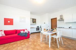 Bright Apartments Sirmione - Campiello Pool - AbcAlberghi.com