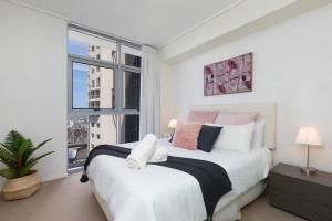 SK2 - 3BR with Pool Gym Steam Room in Story Bridge