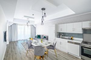 LUX - IBN Battuta Residence - Dubai
