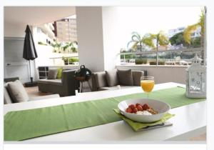 LB House, 8600-543 Lagos