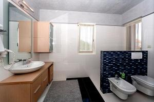 Apartment Veli Maj 1447, Apartments  Poreč - big - 23