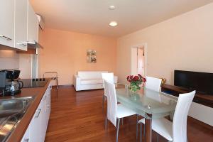 Apartment Veli Maj 1447, Apartments  Poreč - big - 16